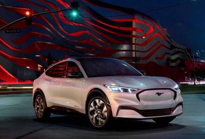 Mustang Mach-E edição limitada esgota em menos de dez dias